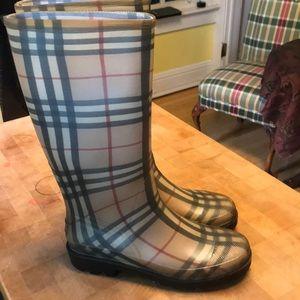 Like NEW Burberry Novacheck Rain Boots Size 40